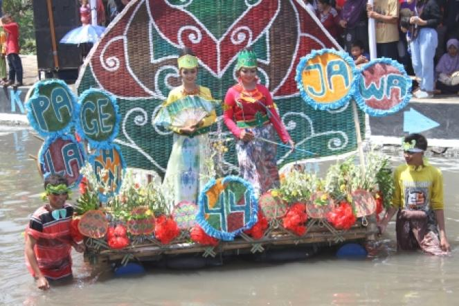 Carnival On The River